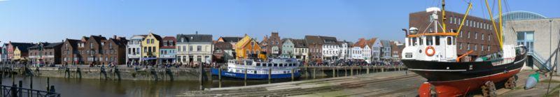 800px-Husum-Hafen Panorama.jpg