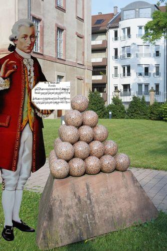 Mozart und die Pyramide.jpg