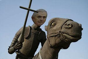 Ratzinger auf seinem Papamobil.jpg