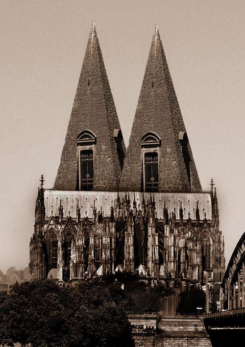 Kölner Dompyramiden.jpg