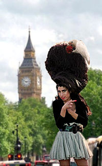 Amy Winehouse London 2007.jpg